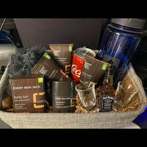 Now selling Father's Day baskets 😎. Pre order now